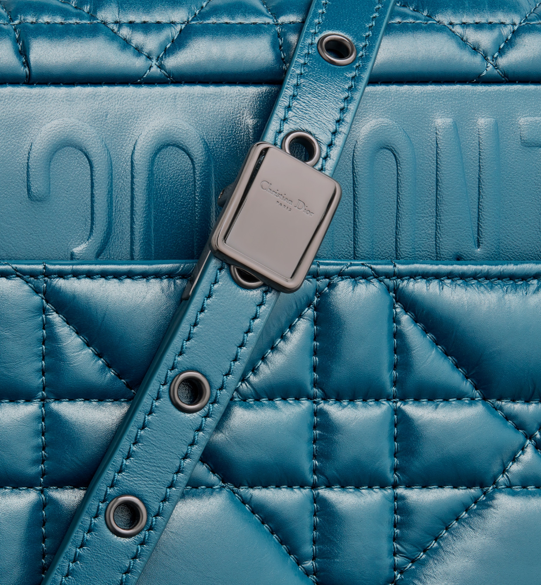 Medium Dior Caro Bag Detailed view Open gallery