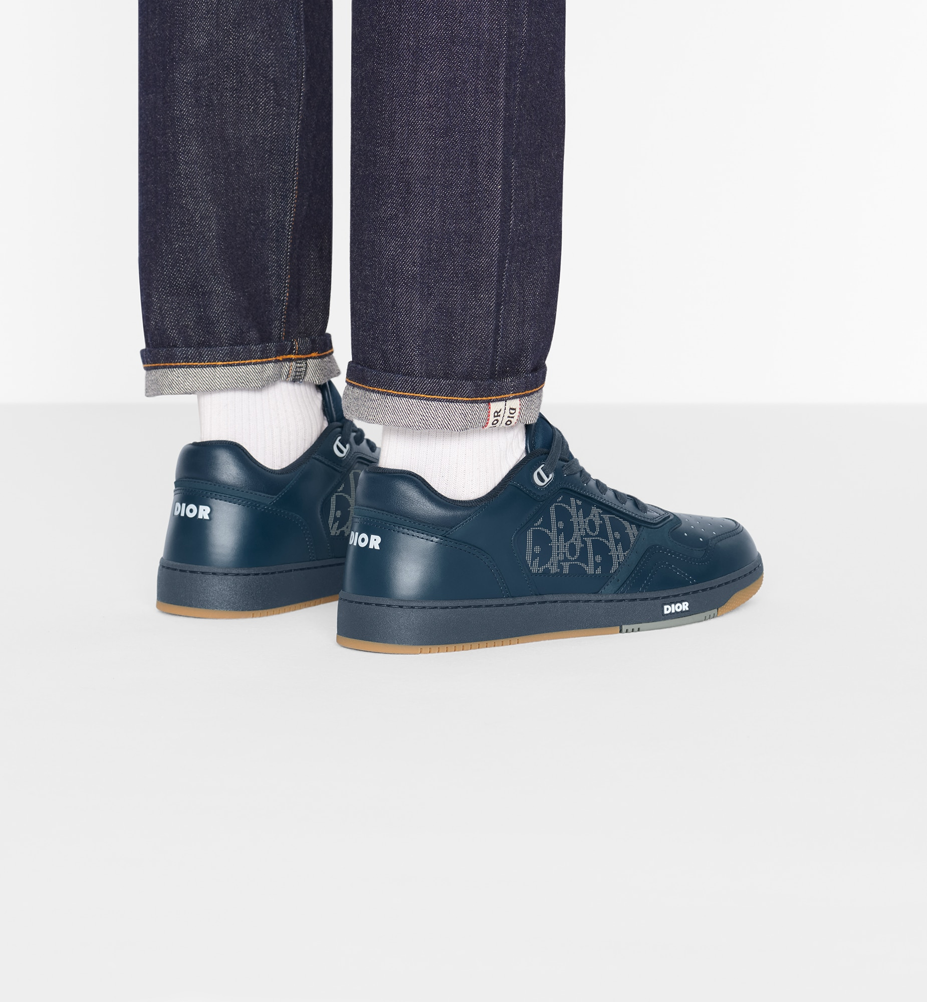 Dior World Tour B27 Low-Top Sneaker Open gallery