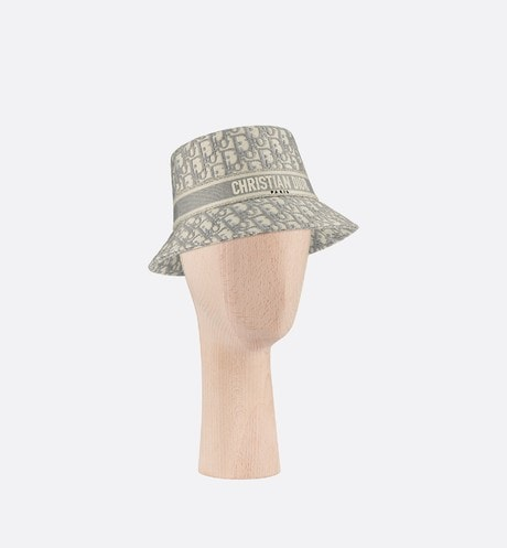 D-Oblique Small Brim Bucket Hat Front view