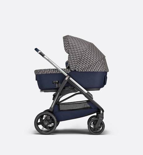 Bassinet and Stroller Combo Front view