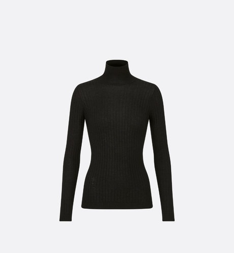 Turtleneck Sweater Front view