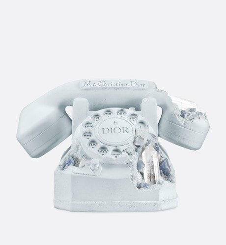 "DIOR AND DANIEL ARSHAM ""Future Relic"" aria_frontView"
